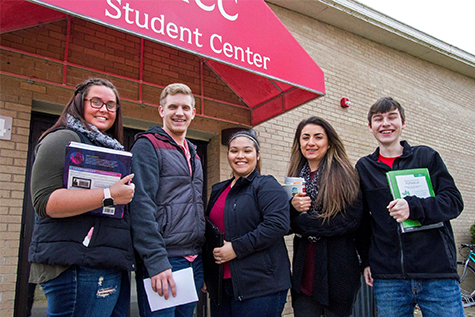 Muscatine Community College students in a group outside of the Student Center